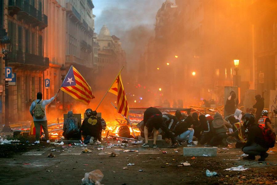 Los independentistas catalanes adoptan la vía eslovena